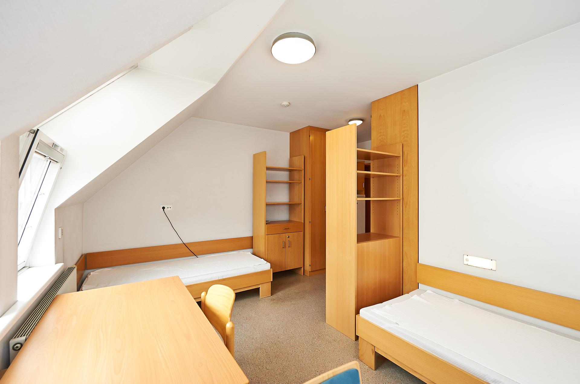 Studentenwohnheim Wien  Studentenzimmer in Top Lage  ~ Spülbecken Theke